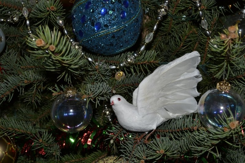 Best christmas tree doves dove sparkly white