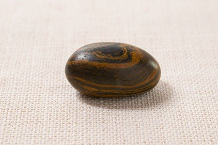 seer-stone-joseph-smith-ensign-liahona-october-2015_1512979_inl